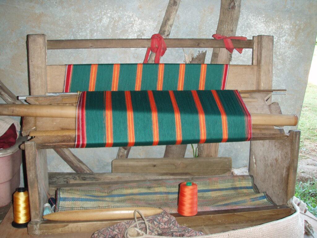 The Lavalava Loom